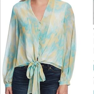 Vince camuto long sleeve tie front blouse size M